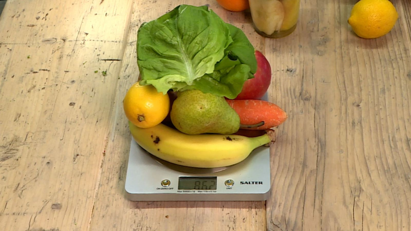 More wonky veg should be sold to cut food waste