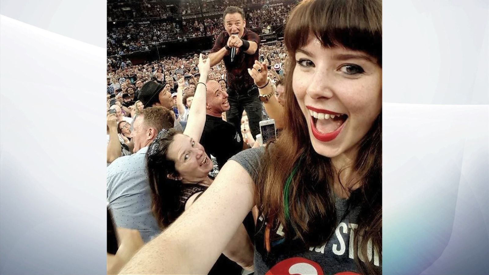 Jessica Bloom selfie with Bruce Springsteen