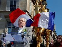 France's far right National Front party founder Jean-Marie Le Pen delivers a speech during the traditional May Day tribute to Joan of Arc (Jeanne d'Arc) in front of her statue in Paris, France, May 1, 2016. REUTERES/Philippe Wojazer