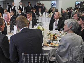 Michael Flynn (L) and Vladimir Putin at a Moscoq banquet in December 2015