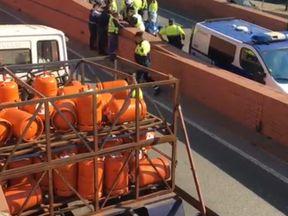 Police at the scene. Pic: Elperiodico.cat