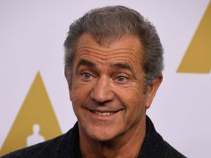 Mel Gibson in talks to direct Suicide Squad sequel