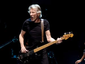 Pink Floyd's Roger Waters would play on US-Mexico border