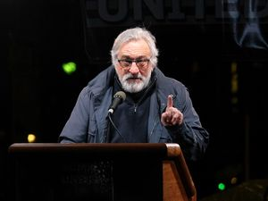 De Niro offers $100k reward to media for 'truth' about controversial children's vaccine