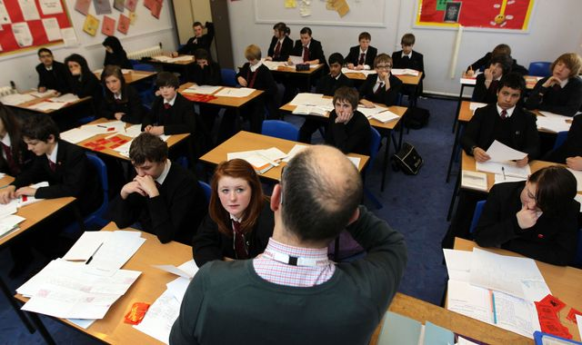 England schools suffering from 'teacher supply crisis', report claims