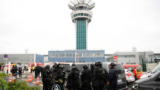 Paris airport attacker said : 'I'm here to die for Allah'
