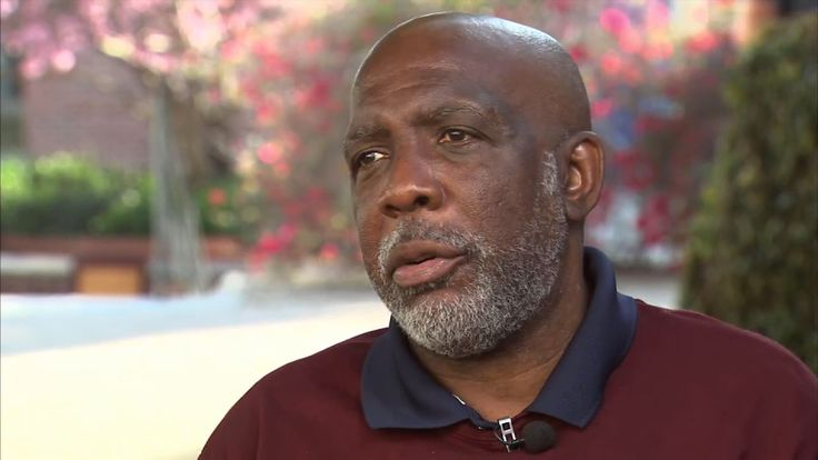Man Wrongfully Convicted of Murder Released From Prison After 32 Years