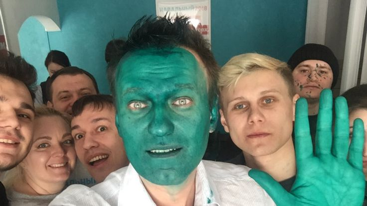 Russian Opposition Leader Splashed With Green Paint