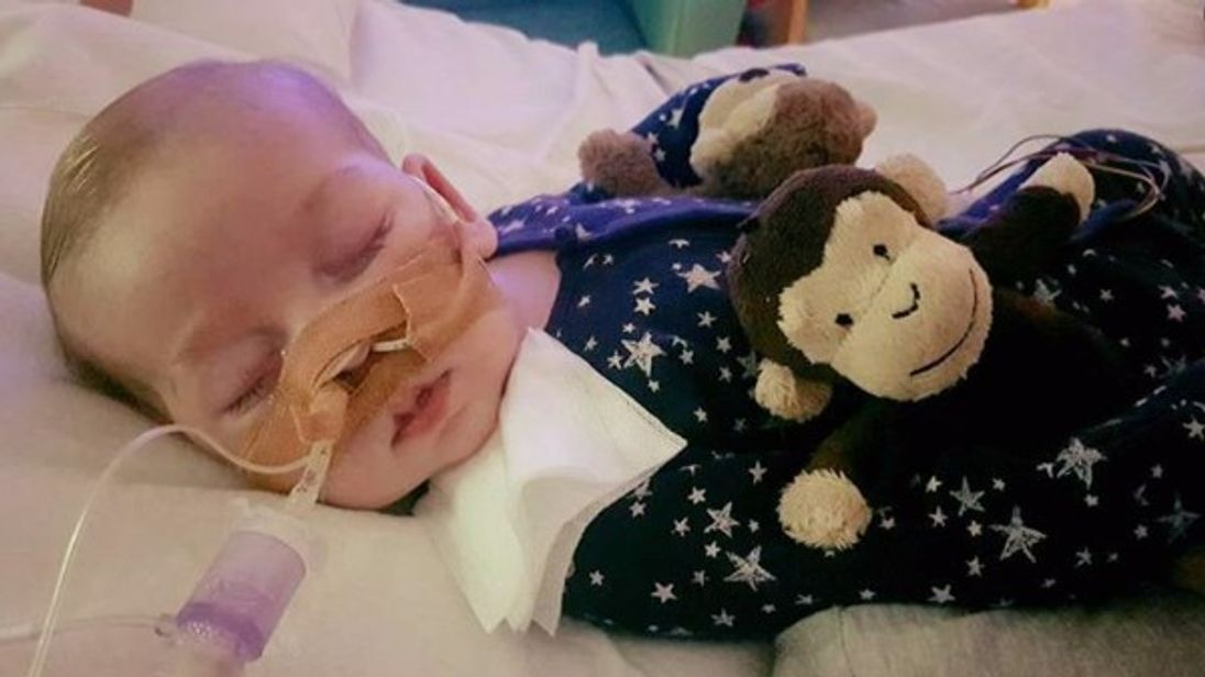 Charlie Gard: Doctors can withdraw life support from sick baby