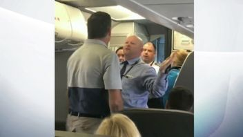A flight attendant goaded a passenger to hit him following a heated exchange