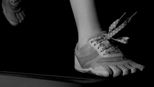 A slow motion camera capture the movement of shoelaces while running