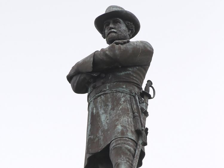 Tight Security As New Orleans Tears Down Confederate Statues