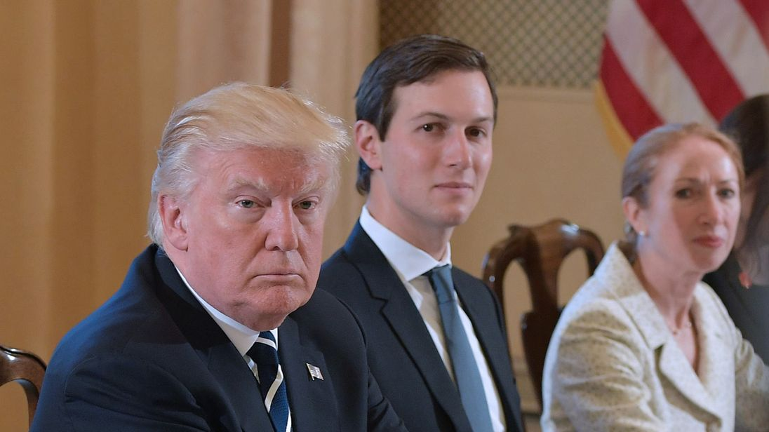 Trump aides keep mum on Kushner-Russia reports