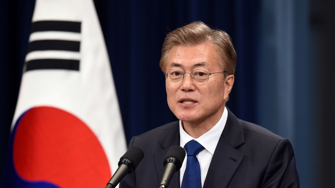 Trump invites South Korean president Moon to Washington