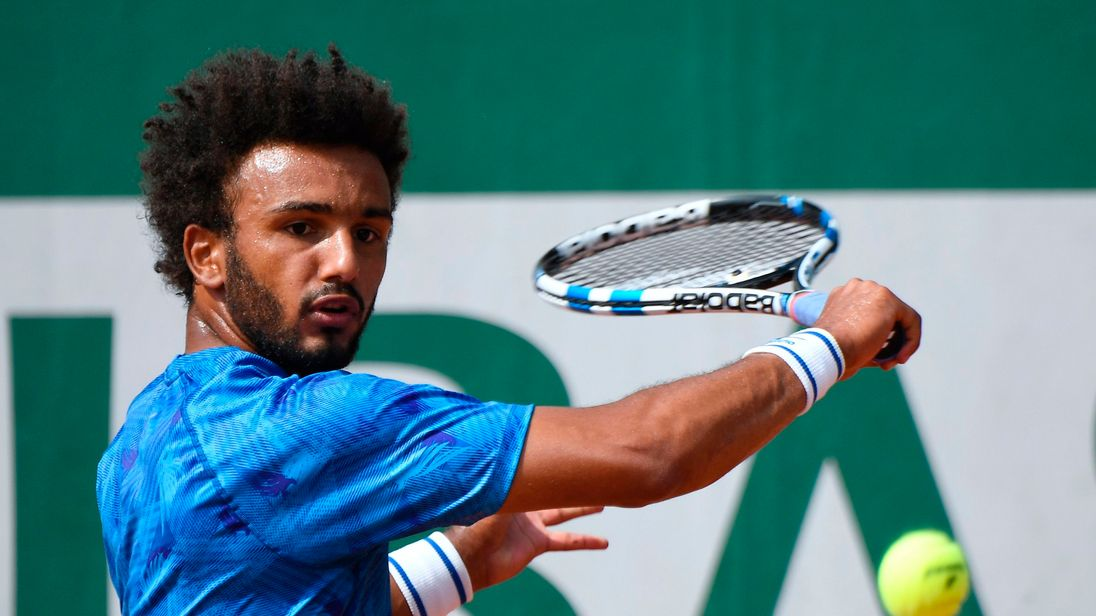 Hamou lost in the first round of the French Open