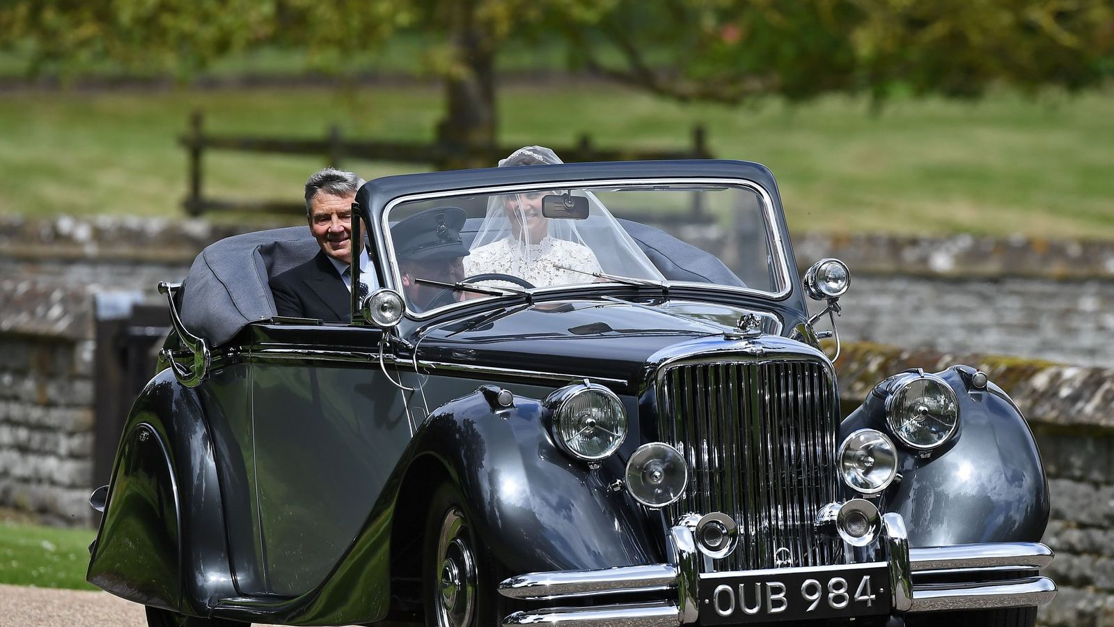 Pippa Middleton arrived at the church with her father