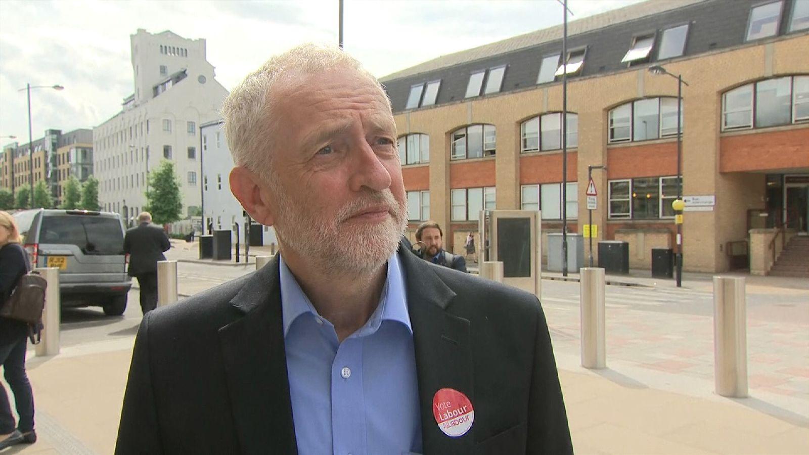 Jeremy Corbyn arrives in Cambridge for TV debate