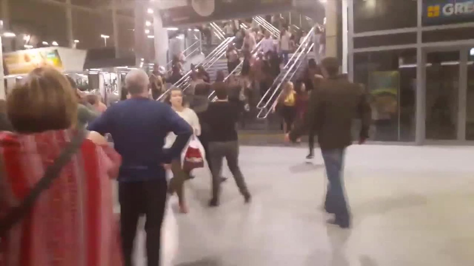 Foyer Area News : Manchester arena explosion lone male attacker responsible