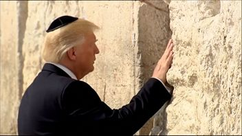 Donald Trump visits holy sites during his trip to Israel