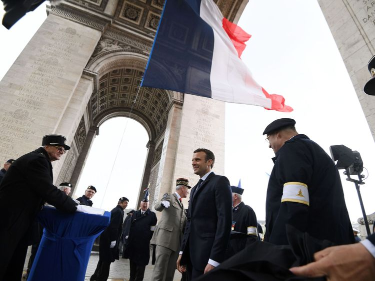 Macron meets veterans after his inauguration