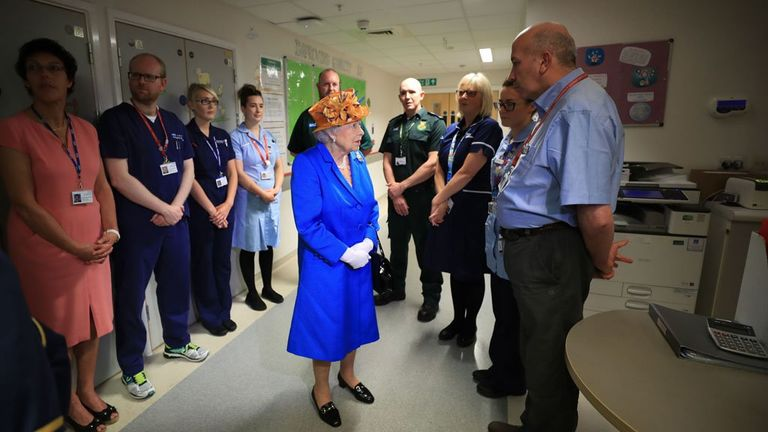The Queen meets medical staff looking after Manchester bomb victims