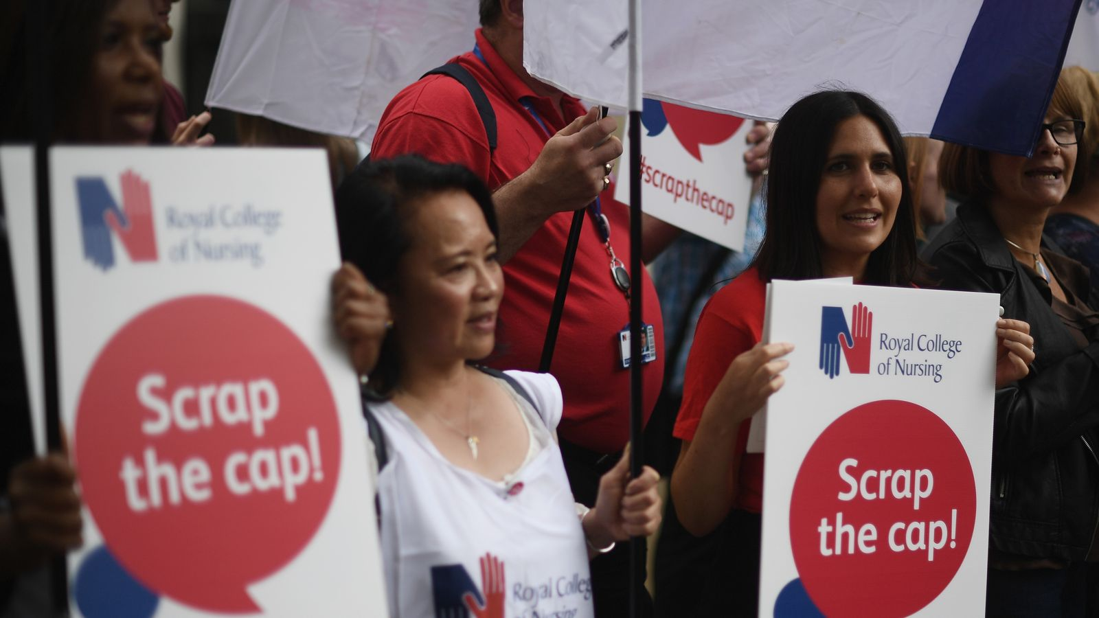 Nurses protesting against the 1% cap on annual pay rises for most NHS staff