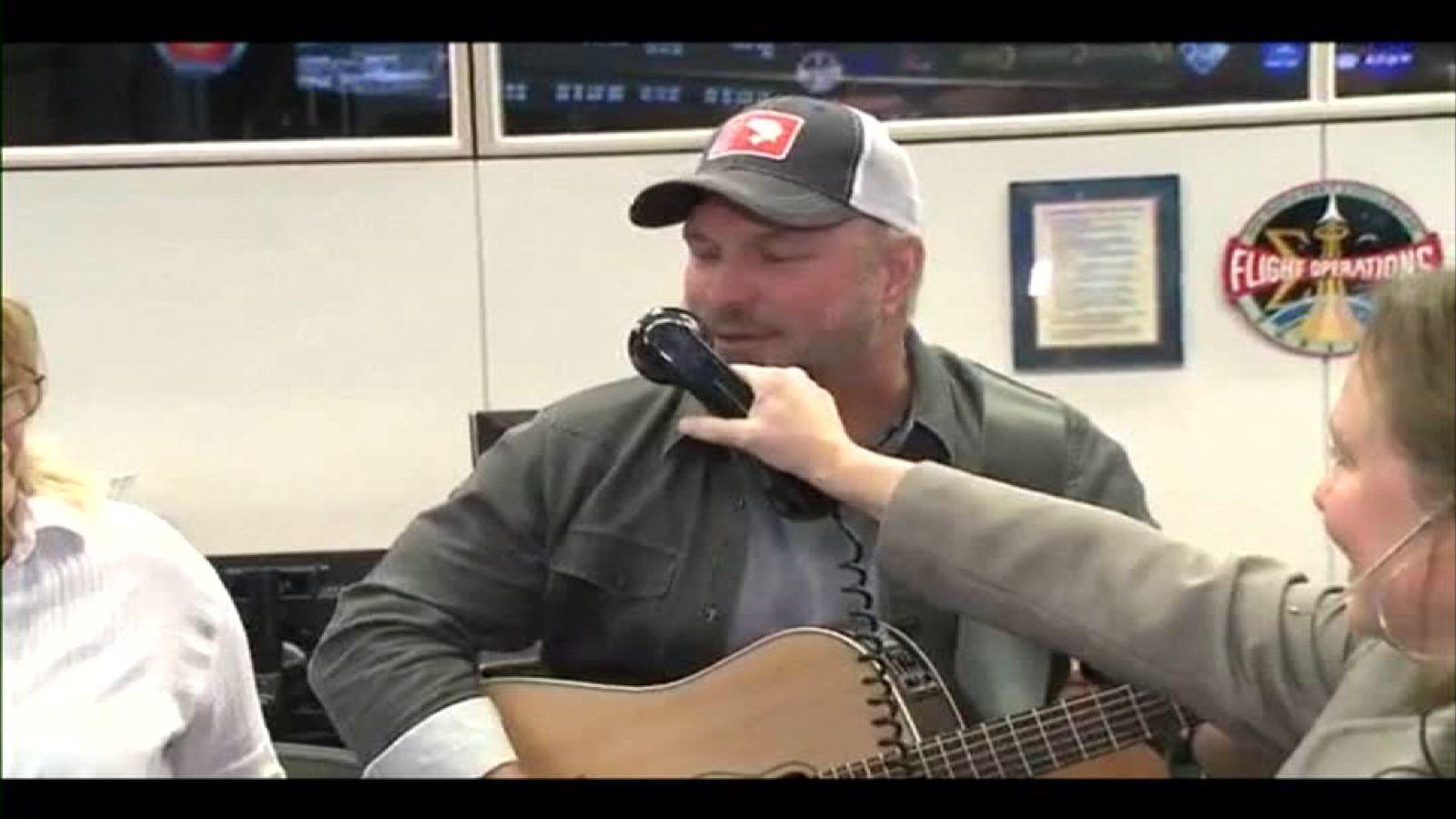 Garth Brooks sang The River, a favourite of astronaut Jack Fischer