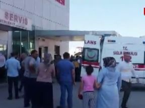 Ambulances deliver the victims to the local hospital in Akyazi. Image: Milliyet