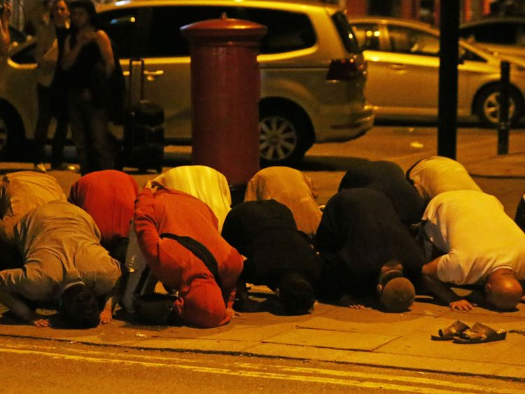Van rams Muslim worshippers in London, PM May condemns