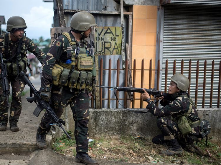 Rangers attempt to flush out Islamist militant snipers in Marawi