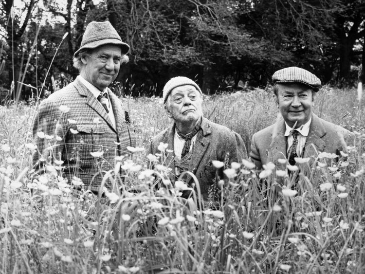 Peter Sallis (R) filming Last Of The Summer Wine Michael Aldridge and Bill Owen in 1987