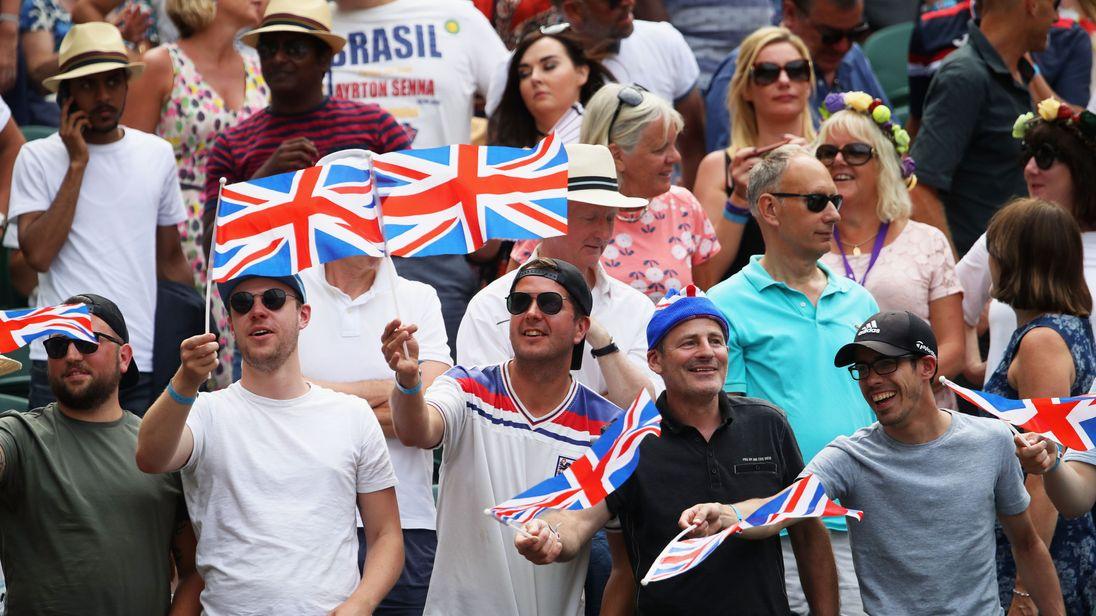 Murray Upset, Djokovic Retirement Causes Chaos; Federer Cruising at Wimbledon