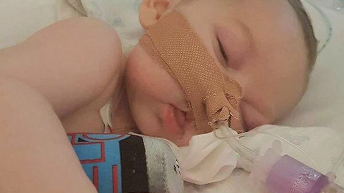 Parents want to take Charlie Gard home to die