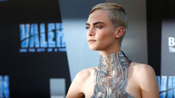 "Cast member Cara Delevingne poses at the premiere for ""Valerian and the City of a Thousand Planets"" in Los Angeles, California"