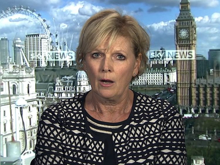 Conservative MP Anna Soubry has joined a group of cross-party politicians to oppose government plans for a hard Brexit