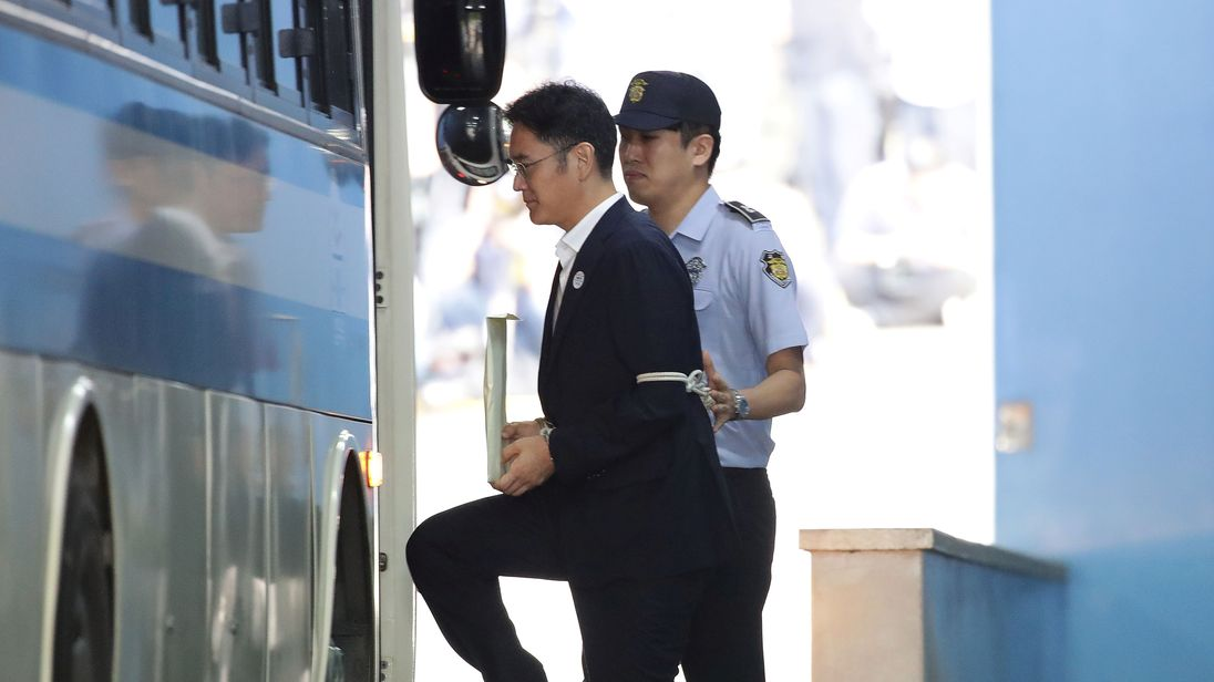 Samsung heir faces lengthy prison sentence over following bribery trial