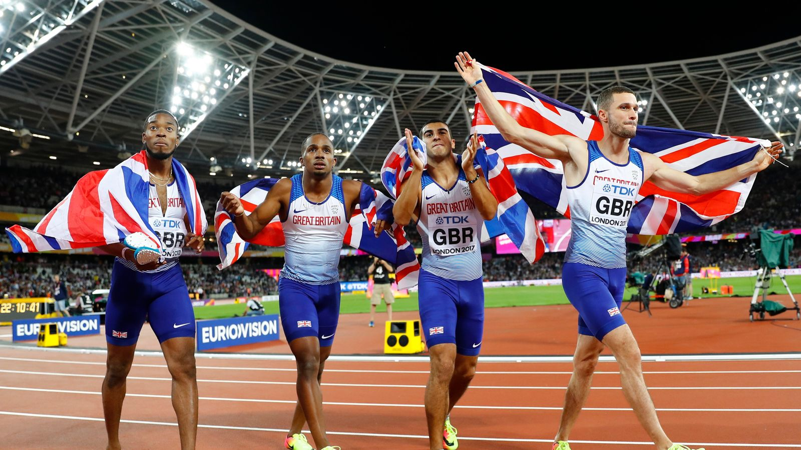 Britain wins relay gold as Sir Mo Farah claims silver in 5,000m at world championships