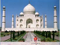 Feb 1992: The Princess of Wales in front of the Taj Mahal, during a Royal tour of India