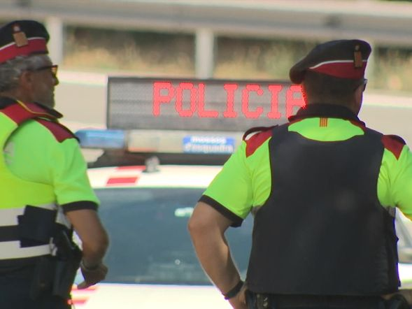 Spanish police at Alcana