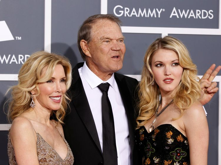 Glen Campbell with his wife Kim (left) and daughter Ashley