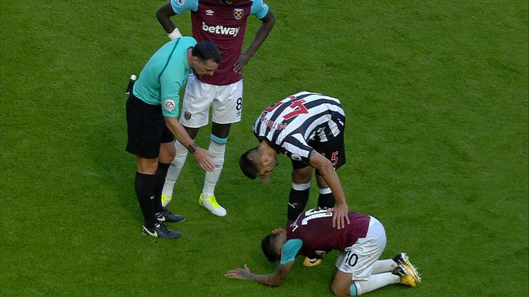 Did Mitrovic elbow Lanzini?