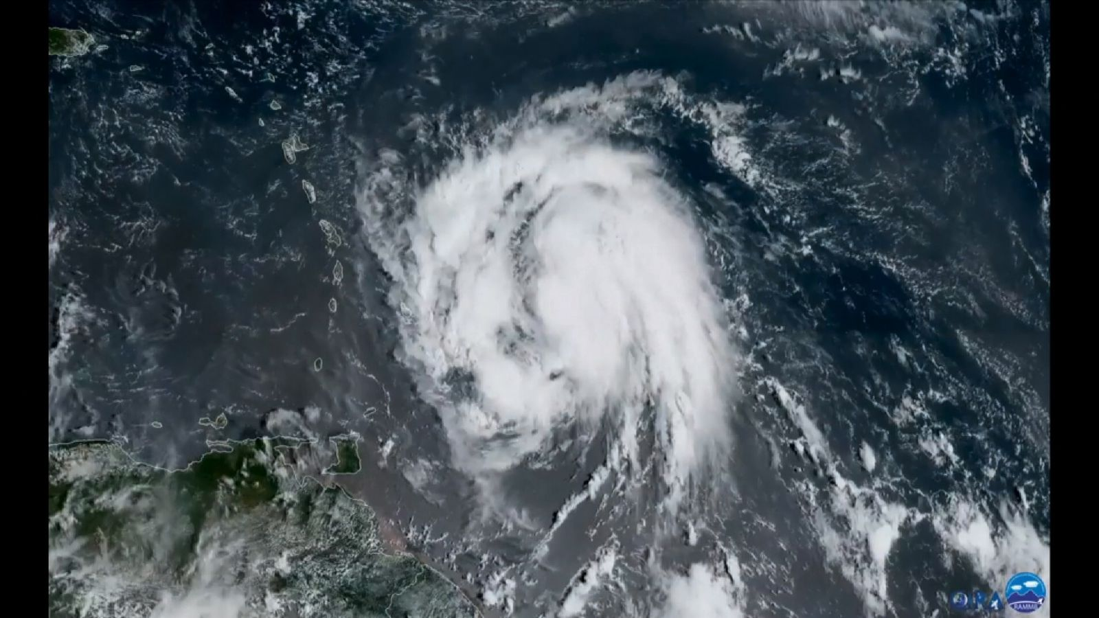 Maria strengthens into a ´major´ Category 3 hurrican