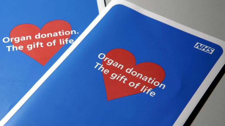 Two organ donor application leaflets are shown in London to illustrate the current moves by the British Government to propose a way to tackle the current organ shortage, 16 January 2008. Under the suggested plans, 14 recommendations will be proposed to boost donation by 50 percent within five years, creating 24-hour organ retrieval teams and employing twice as many transplant coordinators but stopping short of the previously suggested idea of 'presumed consent' rather than opting in to the syste