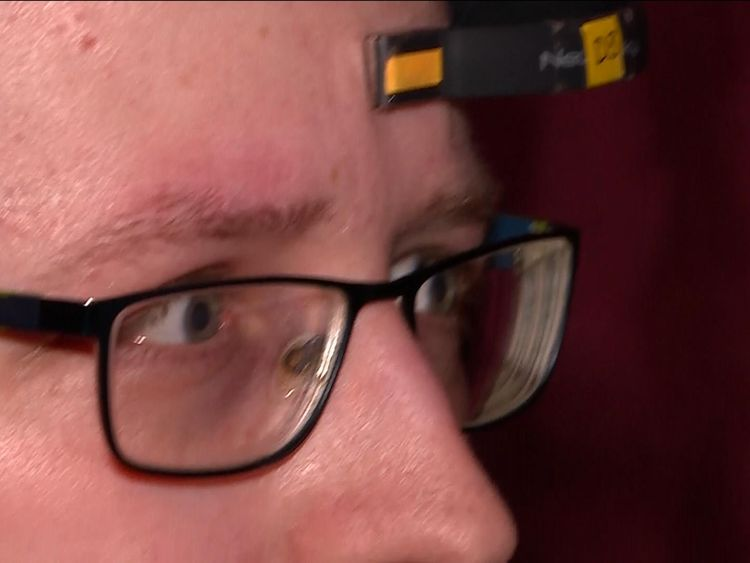 'Mind-reading' headset can change film's plot
