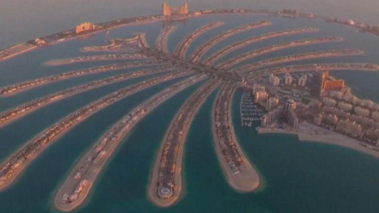 Man flies solo jetpack over Dubai
