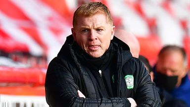 McInnes: Lennon can deal with criticism