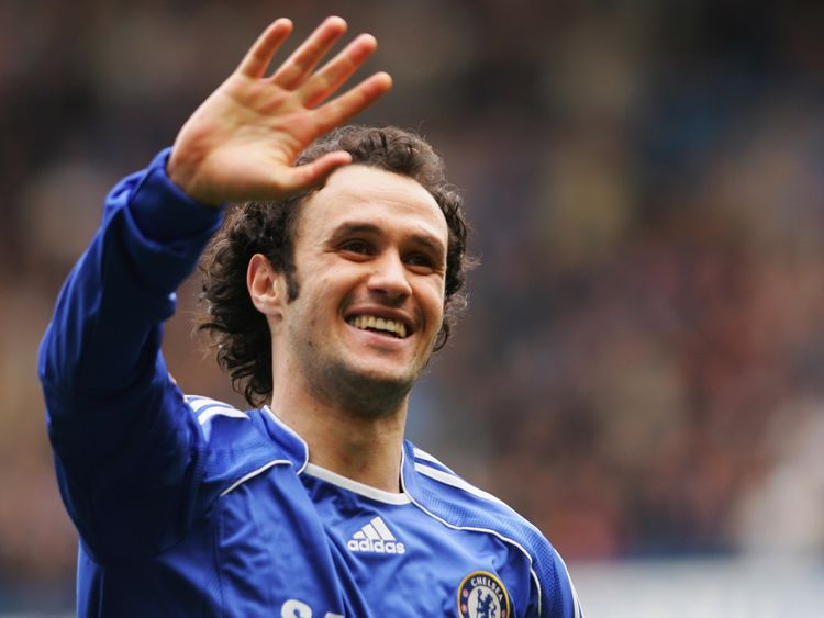 LONDON - APRIL 07:  Ricardo Carvalho of Chelsea celebrates as he scores their first goal during the Barclays Premiership match between Chelsea and Tottenha