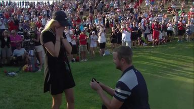 Golfer proposes after putting!