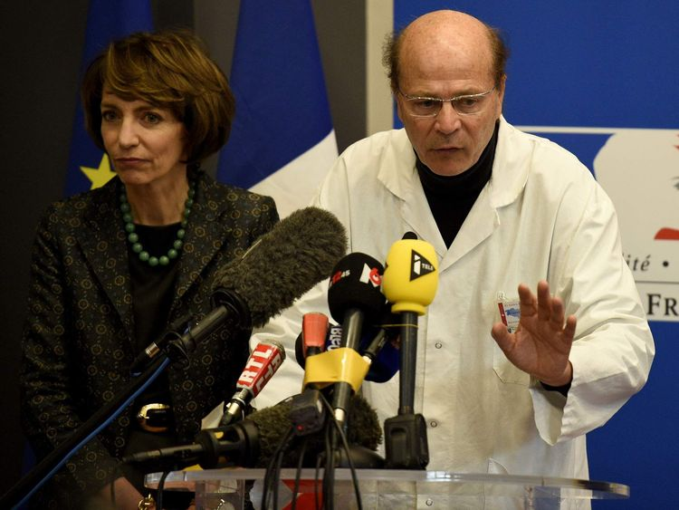 French Social Affairs and Health minister Marisol Touraine (L) and professor Gilles Edan (R),
