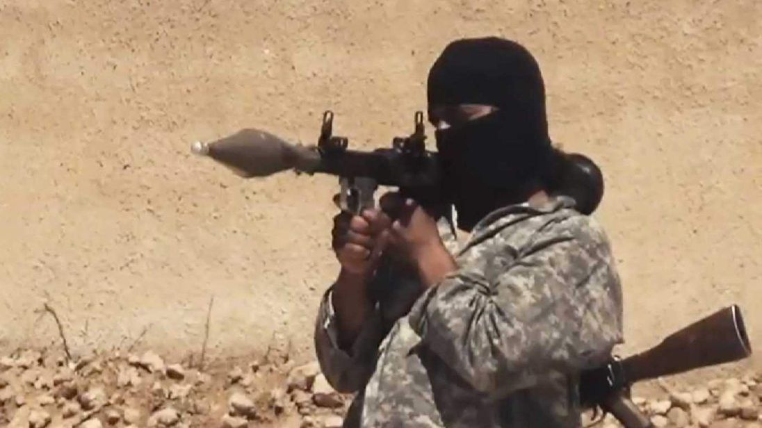 Screengrab from an IS training video.